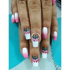 #clientafeliz #laconsentida  @simonybilbao adoro sus uñas #nailsart  #degrade #atrapasueños esmalte #slendy #enjoynailart #alocolombiano