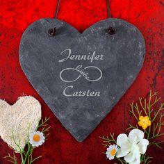 Sie sind auf der Such nach einem  einzigartigen Geschenk zur Hochzeit ? Dann haben wir hier genau das passende Präsent für Sie, das  Schieferherz zur Hochzeit mit Gravur ! Das Herz aus Schiefer ist eine ganz persönliche Geschenkidee,...