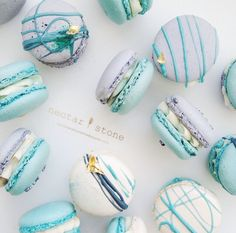 Nectar and stone macaroons Nectar And Stone, Delicious Desserts, Dessert Recipes, Pastry Recipes, Cookie Recipes, Macaron Cookies, Fun Cookies, French Macaroons, Blue Macaroons