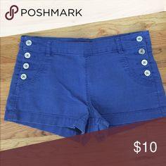 forever 21 high rise sailor shorts So cute for summer! Time to retire them.. Size 28, pulls up for convenience. No zippers! Forever 21 Shorts