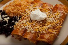 Southwestern Enchiladas With Enchilada Sauce, Cooked Steak, Flour Tortillas, Cheese Soup, Blend Chees Mexican Mexican Food Recipes, Ethnic Recipes, Enchilada Recipes, Cheese Soup, How To Cook Steak, Refried Beans, Tex Mex, Lunches And Dinners, Enchiladas
