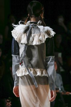 Miu Miu Spring 2016 Ready-to-Wear Accessories Photos - Vogue