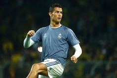 Real Madrid's Portuguese forward Cristiano Ronaldo warms up prior to the UEFA Champions League first leg football match between Borussia Dortmund and Real Madrid at BVB stadium in Dortmund, on September 27, 2016.