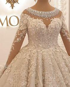 Wedding Dress Bustle, Lace Mermaid Wedding Dress, Gorgeous Wedding Dress, Wedding Dress Sleeves, Beautiful Bride, Extravagant Wedding Dresses, Princess Wedding Dresses, Bridal Dresses, Marie
