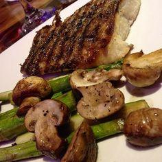 Me encantó este plato: robalo con vegetales al carbón! ❤️ buenísimo!  #ricoysaludable #mivaquita #maracaibo #Padgram