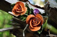 Herfst boeketje met oranje roosjes Famous French Ceramic Flowers Resistant to frost Frans keramiek In Frankrijk heel bekend als grafdecoratie Kijk voor meer informatie op de website van keramiek voor buiten