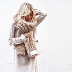 Chunky Knit Super Scarf - Oversized Knitted Long Scarf in Cream Mode Style, Style Me, I Love Mr Mittens, Chunky Scarves, Oversized Scarf, Looks Street Style, Inspiration Mode, Look Fashion, Fashion Basics