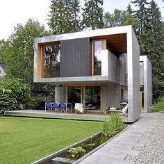 SØT MUSIKK: Se hvordan det hypermoderne huset og hagen i front visuelt og funksjonelt spiller sammen.