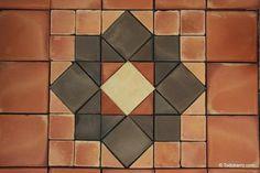 Teselado de Salomón   Terracotta floor tiles