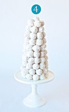 Frozen Birthday Cake Ideas at PagingSupermom.com #frozen
