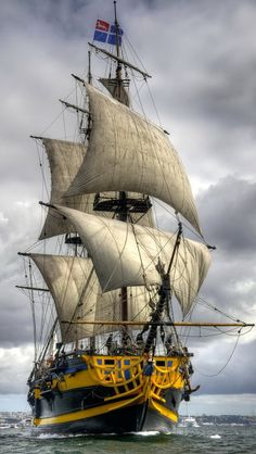 sailing_ship_4eea56f806c57e22d14df3a2e1e311c6_raw.jpg 640×1,136 ピクセル