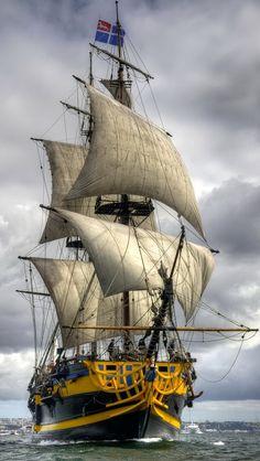 """""""Etoile du Roy"""" - Owner: Etoile Marine Croisières - : France - Boat Types: Frigate XIX century. Three masted ship - Homeport: Saint-Malo."""