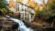 You Can Explore This Abandoned Ruin Near Toronto That Was Once A Crazy Scientist's Workshop