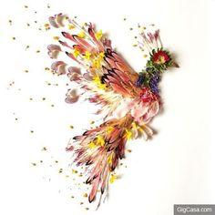 用花瓣和樹葉擺出來的唯美花鳥繪畫