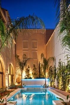 This luxurious 5 star boutique hotel is located in Rethymno's historic center on the beautiful island of Crete. Rimondi Estate is a truly romantic retreat offering 12 enchanting suites that perfectly blends the traditional elegance with the contemporary comfort. The hotel also features an outdoor spa, a stunning swimming pool and a private garden.