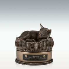 Remember your departed pet with this detailed bronze cat in basket cremation urn from Perfect Memorials. This small cat urn is hand painted and can be engraved. Cat Basket, Cat Memorial, Memorial Jewelry, Cremation Urns, Small Cat, Star Sky, Black Felt, Custom Engraving, Dog Bowls