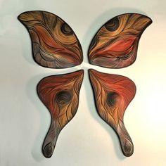 Ručně vyřezávaná keramická dlažba ze sgrafita Natalie Blake