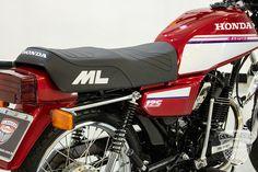 Motos Yamaha, Yamaha Bikes, Motorcycles, Honda 125, Bmx, Mini Bike, Vintage Posters, Old Motorcycles, Pictures