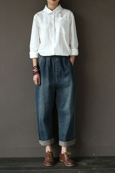 Vintage Cowboy Jeans Pants Women Trousers*Care: hand wash or machine wash gentle, best to lay flat to dry.*Material: Cotton 100% Weight:500g*Colour:Blue*Model size: Height/Weight: 168cm/49kg B/W/H(cm):84/68/90*MeasurementWaist:60-90 cm Hip:106 cm Thigh:60 cmLength:97 cm================================...