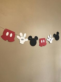 This Mickey Mouse accessory banner can be the perfect addition to any birthday party decor, cake smash photo shoot session, high chair birthday decor, baby shower or baby nursery decor! Size is approximately 5x 4 for each item and has 6 pieces (2 black Mickey Mouse heads, 2 white gloves, 2 red #MickeyMouse #HighChair #babyglove