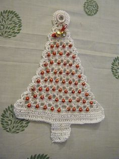By Celina Crochet & Arts. Crochet Christmas Ornaments, Christmas Crochet Patterns, Holiday Crochet, Crochet Flower Patterns, Crochet Art, Crochet Designs, Crochet Flowers, Free Crochet, Christmas Door