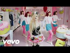 Avril Lavigne's 'Hello Kitty' Video: 'Favorable' Reactions in Japan After Racism Controversy | Billboard