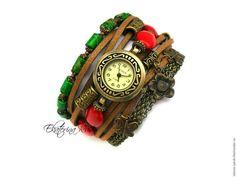 """Assista artesanal.  Mestres Fair - feito à mão.  Compre relógios elegantes """"dom do tempo"""" com pedras.  Handmade."""