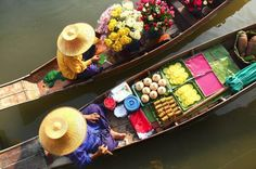 Private Tour: Damnoen Saduak Floating Market and Bangkok City Temples Visit Damnoen Saduak Floating Market with a privateguide and observeThailand'straditional methodof buying fresh produce. Back in Bangkok, continue your personalized full-day tourat theGrand Palace.You'll also visit Wat Traimit, Wat Pho, and Wat Benchamabophit to learn about this distinctive templearchitecture. Lunch and hotel transport by private minivan included.Start yourfull-day itinerary with ho...