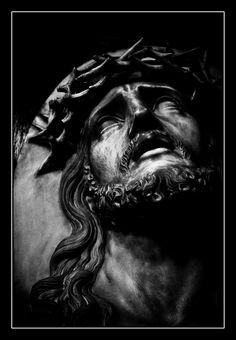 Jesus Christ Statue, Jesus Christ Images, Christ Tattoo, Jesus Tattoo, Dragon Pictures, Jesus Pictures, Portrait Photography Lighting, Jesus Drawings, Chicano Art Tattoos