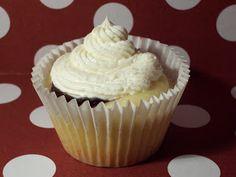 Faking Fancy Cupcakes: Berry-Lemony Cupcake