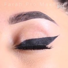 Cat Eye Eyeliner, Perfect Winged Eyeliner, Winged Eyeliner Tutorial, No Eyeliner Makeup, Winged Liner, Eyeshadow, Makeup Vs No Makeup, Cheap Makeup, Makeup Set