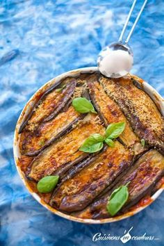 Parmigiana, an aubergine gratin with tomato and parmesan cheese - Cuisinons En Couleurs - Healthy Recipes Batch Cooking, Cooking Recipes, Pasta Recipes, Aubergine Parmesan, Vegetarian Recipes, Healthy Recipes, Eggplant Recipes, Italian Recipes, Healthy Snacks