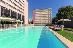 Appart'City Confort Grenoble Alpexpo (Ex Park&Suites) Grenoble Situated 200 metres from Alpexpo Exhibition Centre and the Grand Place shopping centre, this hotel features a seasonal outdoor swimming pool, a fitness room and a sauna. The tram and bus stops are 50 metres away.