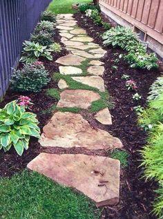 : Idei practice pentru amenajarea gradinii cu alei din pietre mari de rau, pietre care reprezinta o categorie accesibila de materiale de constructii