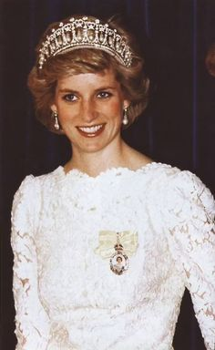 May 1, 1986: Princess Diana at a banquet hosted by Prime Minister Brian Mulroney and his wife at the Hyatt Regency Hotel.