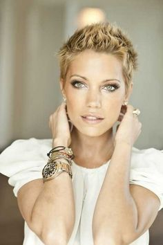 Very Short Spiky Hairstyles For Women Photos