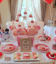 Amber's birthday on the theme of the funfair with a real merry-go-round # kids'party - Metarnews Sites Birthday Party Treats, Birthday Table, Man Birthday, Simple Birthday Decorations, Party Table Decorations, Party Fair, Carnival Themes, Party Themes, Circus Party