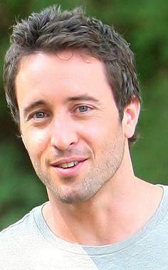 Alex O'Loughlin #Australia #celebrities #AlexOLoughlin Australian celebrity Alex O'Loughlin loves http://www.kangadiscounts.com