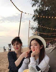 Wenrene ll Red Velvet Red Velvet アイリン, Irene Red Velvet, Wendy Red Velvet, Red Velvet Seulgi, Kpop Girl Groups, Korean Girl Groups, Kpop Girls, Park Sooyoung, Velvet Wallpaper