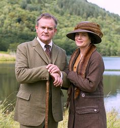 Downton Abbey Christmas special - Elizabeth McGovern as Cora, Countess of Grantham, and Hugh Bonneville as Robert Crawley, Earl of Grantham. Downton Abbey Season 1, Watch Downton Abbey, Downton Abbey Fashion, Robert Crawley, Tweed, Downton Abbey Costumes, Hugh Bonneville, Elizabeth Mcgovern, Christmas Episodes