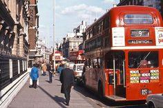 Photos of Mid-Seventies London by David Rostance - Flashbak London Bus, Old London, London Street, Street Veiw, Old Street, London History, Tudor History, British History, Tokyo Skytree
