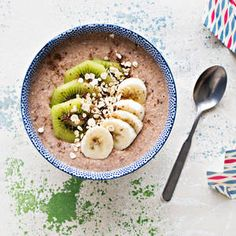 Kiivi-banaanituorepuuro | K-Ruoka #tuorepuuro #aamiainen #aamupala Oats Recipes, Healthy Recipes, Breakfast Snacks, Breakfast Ideas, Gluten Free Breakfasts, Overnight Oats, Superfood, Food And Drink, Meals