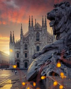 Sunrise at Duomo Square ✨ Milan, Italy. Photo by Voyager Malin, Places Around The World, Around The Worlds, Duomo Milano, Le Vatican, Couple Travel, Family Travel, Kirchen, Travel Abroad