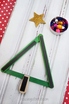 Popsicle Stick Christmas Tree Magnet ~ Christmas Craft for Kids