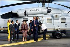 Koningin Beatrix,  prins Willem-Alexander en prinses Máxima bezochten dinsdag het hoofdkantoor van Brunei Shell Petroleum. Foto ANP