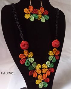 Collar Redondo, Beaded Earrings, Beaded Jewelry, Art Projects, Crochet Necklace, Beads, Instagram, Fringe Necklace, Loom