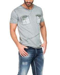 Salsa store - t-shirt level com bolsos e ligeiro tingimento. Men Fashion Show, Mens Fashion Suits, Denim Fashion, Fashion Outfits, T-shirt Und Jeans, Palm Beach, Estilo Jeans, Casual Wear For Men, Polo T Shirts