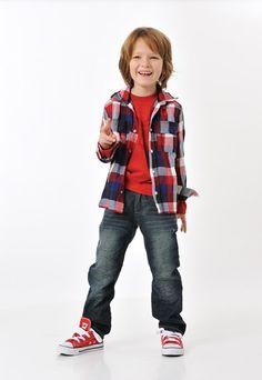 Jean enfant : chemise à carreaux enfant, baskets enfant Jean Bourget