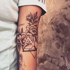 61 tattoos that are tiny and beautiful - Tattoos - Tatouage Dreieckiges Tattoos, Bild Tattoos, Forearm Tattoos, Love Tattoos, Beautiful Tattoos, Black Tattoos, Body Art Tattoos, Small Tattoos, Tattoos For Guys