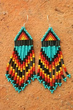 So cool and pretty simple. I want to try to make a pair for myself. One day, in my free time...